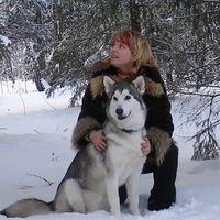 Алена Чашникова и маламут Плакса